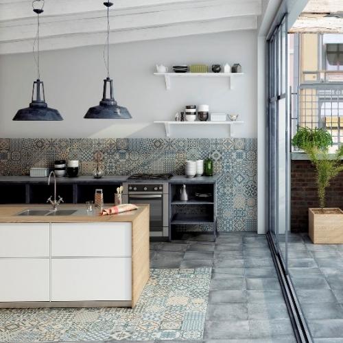 Gạch ốp tường bếp đẹp sang trọng hiện đại